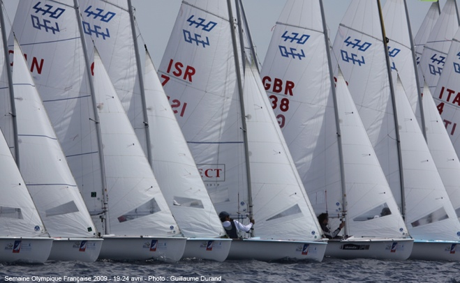 470s fighting to hold their lane off a Hyeres start