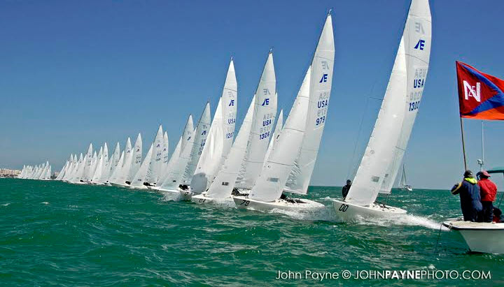 Etchells Worlds at the start